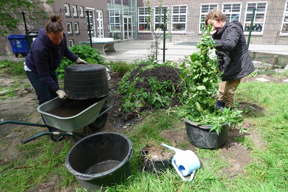Wij maakten een Hügelbed in DemoTuinNoord in 13 makkelijke stappen!