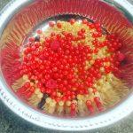 These #berries makes us so #happy! #urbaniahoeve #demotuinnoord #agroforestry #urbanfarming